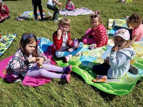 Jeżyki na pikniku